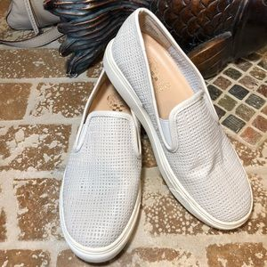 Vince Camuto Size 6M